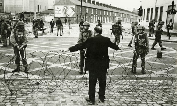 Troops go onto the streets in Belfast, 1969